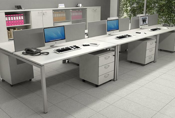 Bench ufficio con pannello divisorio for Scrivanie operative ufficio
